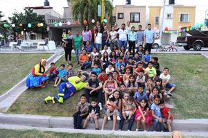 02052016 UN DíA MUY DIVERTIDO.  Asistentes al festejo del Día del Niño en el Circuito México de la colonia Las Etnias.