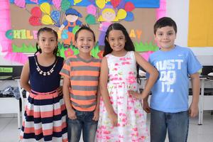 05052016 Andrea, Arturo, Sofía y Juan Pablo.