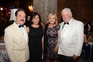 21052016 Nacho, Lucero, Diane y John.