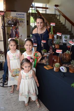27052016 Blanca, Karla, Marijose y Bárbara.