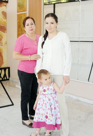 29052016 Flor, Andrea y Magdalena.