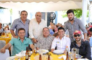 29052016 COMIDA DE CUMPLEAñOS.  Andrés, Pancho, Andrés, Luis, Gerardo, Jorge y Fernando.
