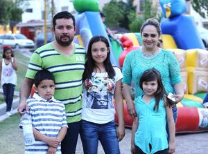 03052016 Aarón, Cynthia, Aarón, Vanya y Ximena.