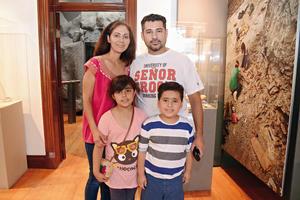 31052016 Verónica, Gael, Eduardo y Mayra.