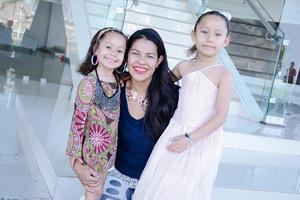 29052016 EN FAMILIA.  Ana Luisa, Nayeli y Daniela.