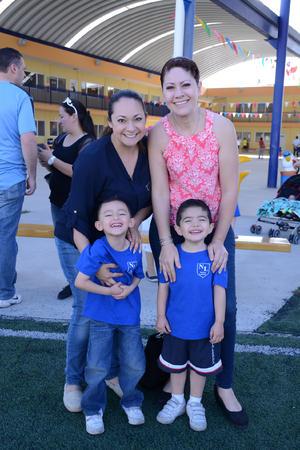 29052016 EVENTO DEPORTIVO.  Angélica, Alan, Leonor y Alberto.