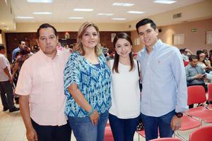 03052016 EN EVENTO UNIVERSITARIO.  Luis, Laura, Laura y Rodolfo.