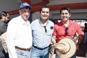 05052016 TARDE DE TOROS.  Tranquilino, Benjamín y Arturo.