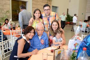 26052016 María del Refugio, Genaro, Adriana, Ivanna, Iván y Dania.