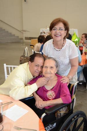 26052016 Roberto, María Luisa y María Teresa.