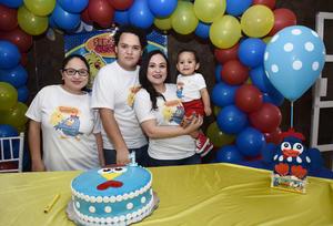03052016 FESTEJA UN AñO DE VIDA.  Sebastián Cuevas Salazar con Ana Gaby, Pako y Pamela.