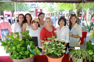 05052016 Paty, Clarisa, Abril, Marisa, Chepis, Rosy y Laura.