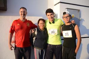 21052016 EN UNA CARRERA DEPORTIVA.  Juan Carlos, Alicia, Carlos y Hugo