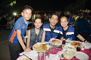 23052016 Rodrigo, Karla, Juan Carlos y Gloria.