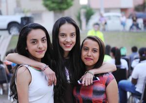 29052016 GRATOS MOMENTOS.  Alejandra, Daniela y Arely.