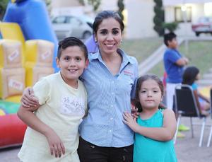 10052016 Iván, Eunice y Ximena.