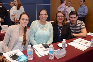 25052016 Andrea, Celeste, Claudia y Ricardo.