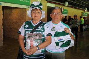 28052016 SANTISTAS DE CORAZóN.  Silvia y Pedro Moreno.