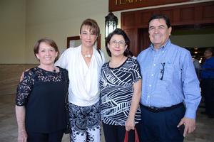 12052016 EN EL TIM.  Lety, María Alicia, Lety y Guillermo.