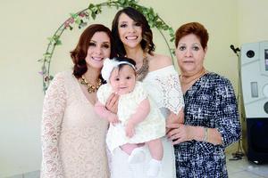 16052016 EN FAMILIA.  Cecilia Sosa, María Fernanda Acuña, Carla Rosa y Rosy Lugo.