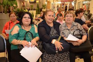 25052016 Lupita, Georgina y Angie.