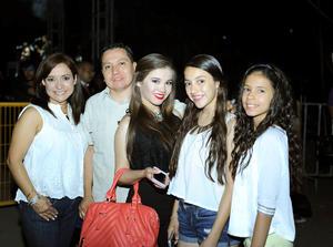 31052016 Lily, Iván, Miriam, Andrea y Melissa.