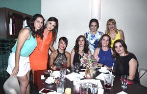 31052016 DESPEDIDA DE SOLTERA.  Nancy Ochoa con algunas de sus invitadas.