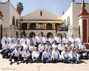 01052016 Ex alumnos de la XXX generación 1967 - 1972 de la Preparatoria Venustiano Carranza, captados por el lente de Erick Sotomayor Fotografía