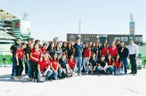 29052016 INOLVIDABLE VISITA.  Alumnos de segundo semestre de prepa de la UVM en su visita al Territorio Santos Modelo, donde además de un recorrido guiado por sus instalaciones, recibieron una plática sobre la labor del Santos Laguna tanto en la parte deportiva como en el aspecto social.