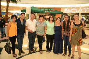 11052016 Aída, César, Javier, Martha, Silvia, Teté, Rocío y Julika.