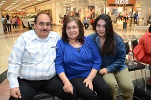 04052016 Adriana, Carmen y Mariana.