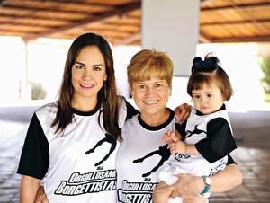 18052016 EN FAMILIA.  Sandra, Bego e Isabella.