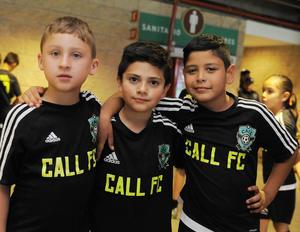 28052016 PEQUEÑOS DEPORTISTAS.  Víctor, Gael y Christian.