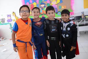 29052016 COMO SUPERHéROES.  Ángel, Emiliano, César y Marco.