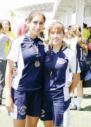 01052016 Karime y Karla.