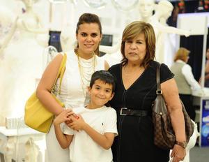 08052016 Luzma, Sofía y Carlos.