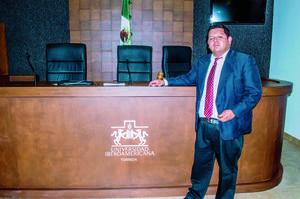 15052016 El Mtro. Luis Fernando Hernández Rivera participó como encargado de sala, junto a estudiantes de Derecho en la Universidad Iberoamericana.