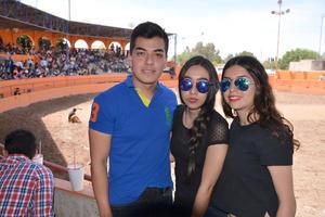 08052016 EN EL LIENZO CHARRO.  Iván, Itzel y Rocío.