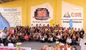 22052016 AMENA CELEBRACIóN.  Madres de familia del Colegio San Roberto en el festejo que se les organizó con motivo del 10 de mayo y en el que se la pasaron de lo mejor.
