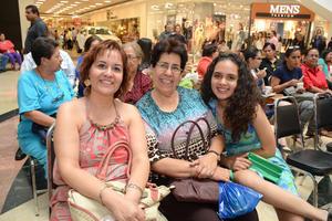 04052016 Rolando, María Teresa y Mayte.