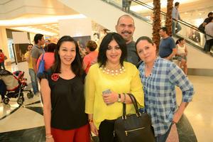 11052016 Andrea, Ale, Adriana y Teté.