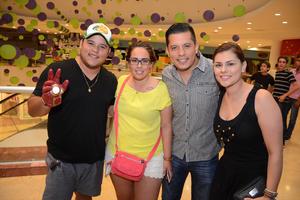 29052016 EN EL CINE.  Elías, Perla, Felipe y Vero.