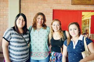 15052016 Estefanía Magallanes, Alma Lares, Mónica Martínez y Karina Fernández.