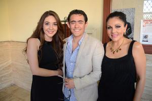 22052016 EN EL ISAURO MARTíNEZ.  Ivette, Roberto y Alma.