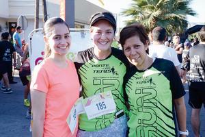 11052016 COREDORAS.  Lizzie, Alicia y Adriana.