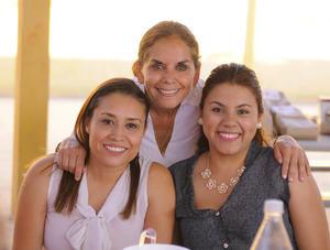 13052016 Viridiana, Miss Pecky y Karla.
