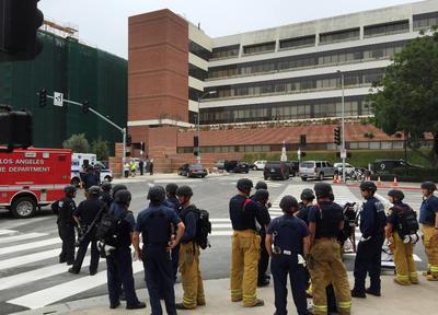 Personal de apoyo en emergencias y del cuerpo de Bomberos también se presentó.