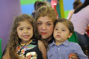 Angie, Angelines y Cristóbal