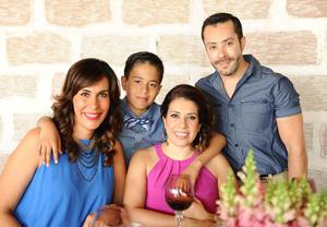 Tere, Marcela, Lalo y Andrés