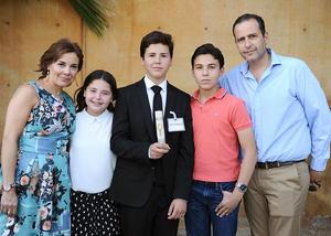 Payo, Regina, José Manuel, Selim y Selim